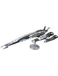 Dark Horse Deluxe Mass Effect:SR-2 Normandy Ship Replica.